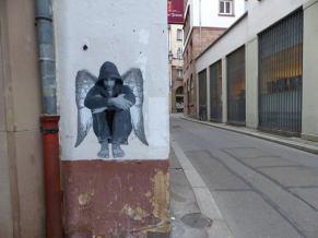 ender-street-art-paris-angel