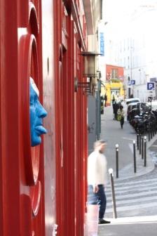 gregos-street-artist-door