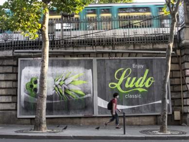ludo-street-art-paris-bilboard