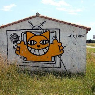 m-chat-graffiti-street-art