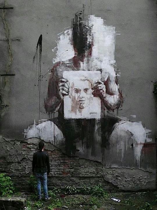 street-art-gonzalo-borondo-spain