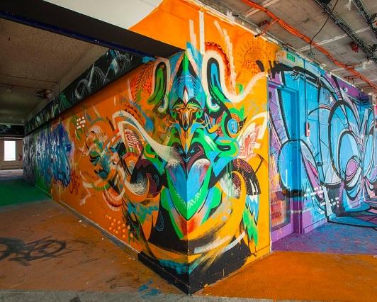 theo-lopez-street-art-saint-denis
