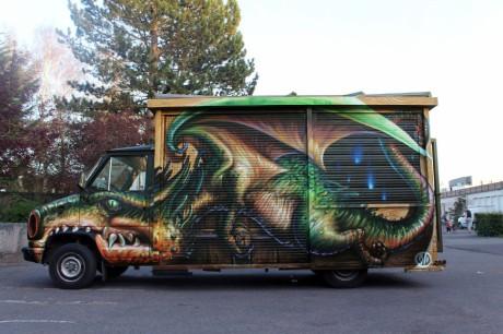wd-street-art-athens-truck