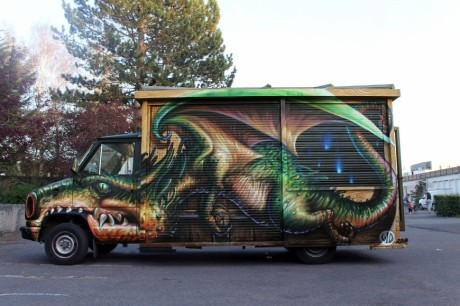 wd-street-art-athens-truck